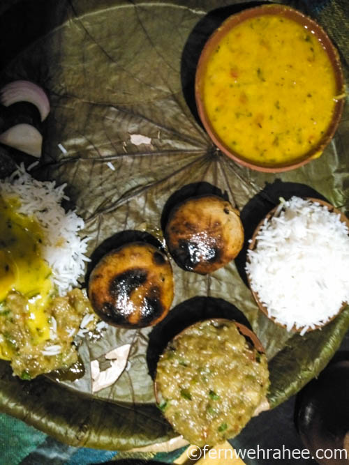 famous street food in varanasi Baati Chokha