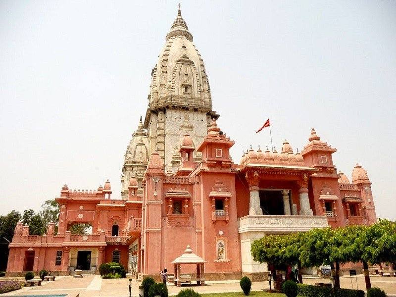 must visit places in Varanasi New Kashi Vishwanath temple