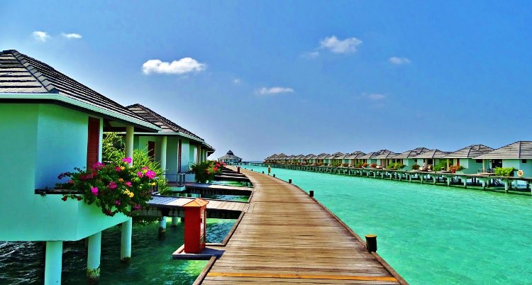 best beach resort in Maldives for honeymoon